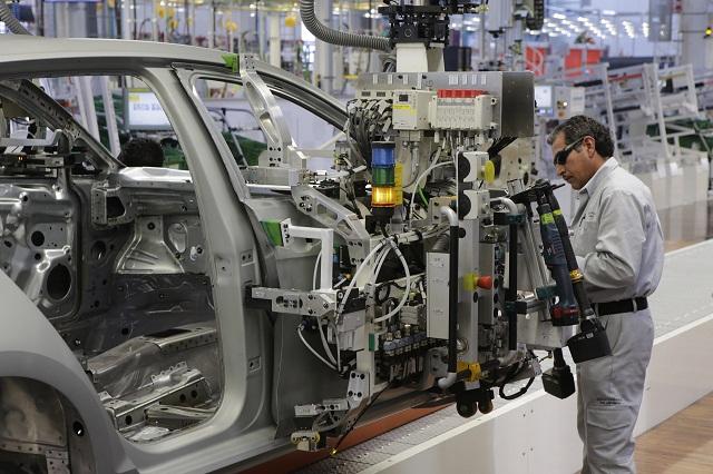 Baja producción de VW en 3.71 % durante todo 2015: AMIA