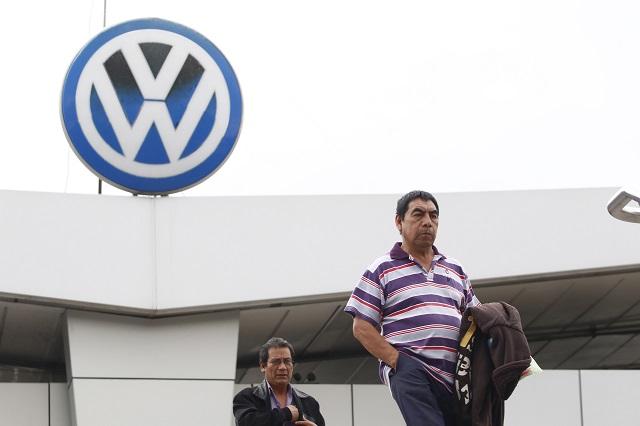 Por paro pagará VW una semana a cuenta de vacaciones y 2 al 75%