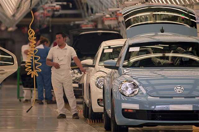 Aún no hay acuerdo salarial con Volkswagen, aclara el sindicato