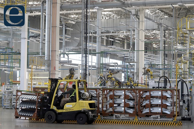 Industria estatal podrá aumentar su aforo de personal a 70%