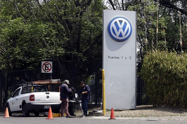 Sin condiciones para reapertura de VW, insiste Barbosa