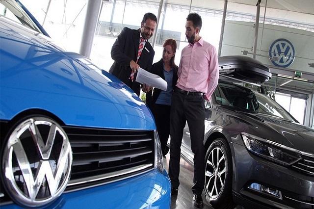 Durante agosto cayeron ventas de VW en 14.5%: distribuidores