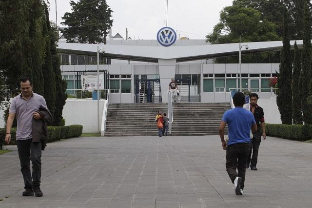 Rechazan empresa y sindicato que haya paro técnico en VW