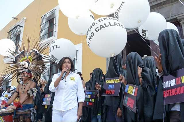 Roxana Luna llama a los poblanos a que salgan a votar libremente