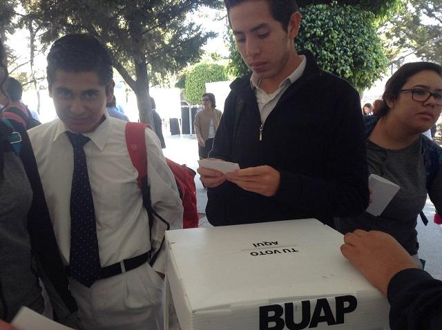 Elección de directores en BUAP favorece al rector Esparza, opinan