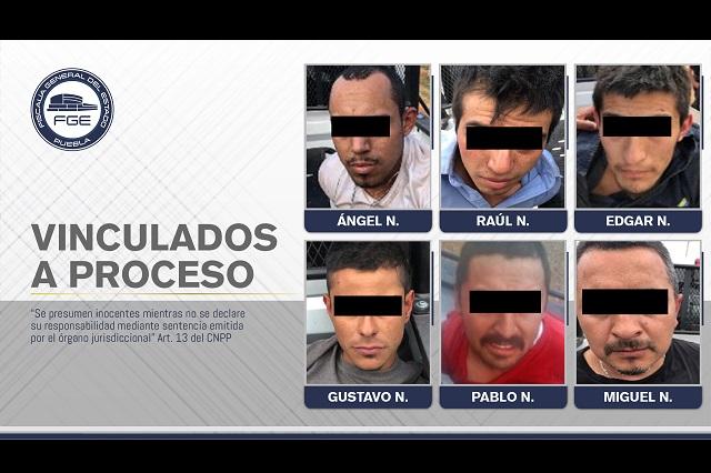 Dan prisión preventiva a 6 detenidos en Chignahuapan con armas y droga