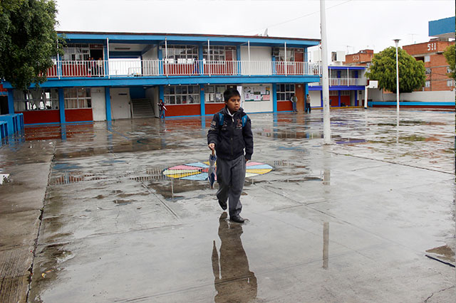 Reanudan clases este viernes los 217 municipios de Puebla