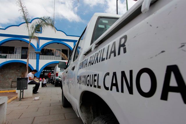 Celebran organizaciones liberación de ex edil de Canoa