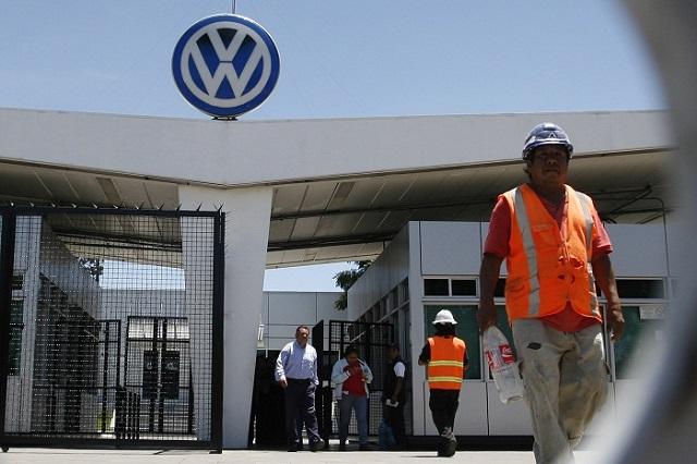 Ofrece VW al sindicato 2.5 % de aumento directo al salario