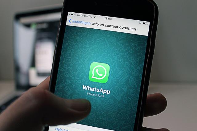 Cómo escuchar un audio de WhatsApp sin que se den cuenta