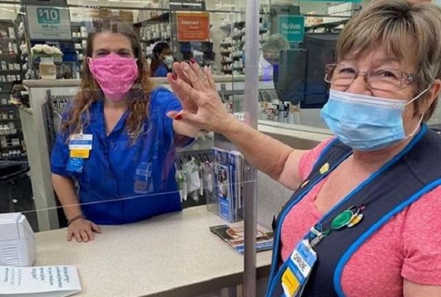 Walmart permitirá entrada a personas sin cubrebocas