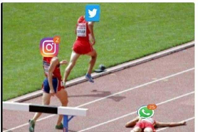 Se cae WhatsApp y ya hay burlas con memes en Twitter