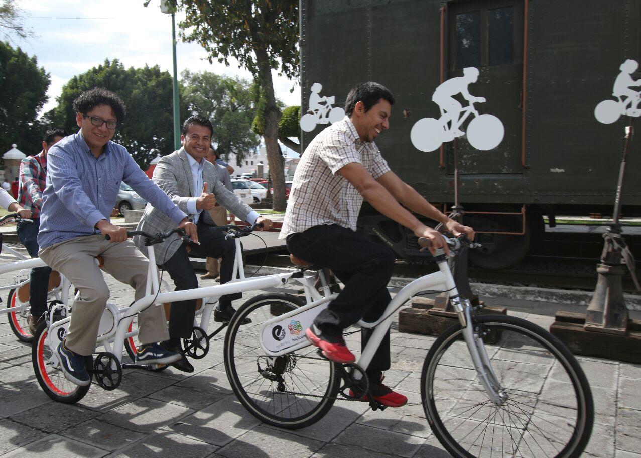Inauguran exposición La vuelta a la Bici en el Museo del Ferrocarril