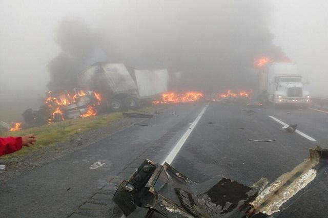 Choque e incendio dejan 6 muertos cerca de Esperanza