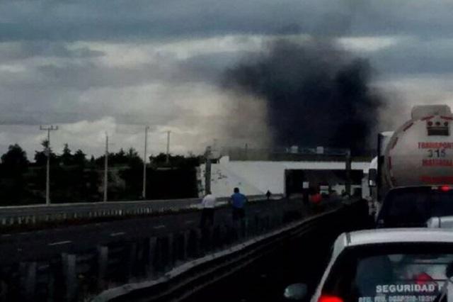 Cierran la Puebla-Orizaba por detención de personas en Palmar