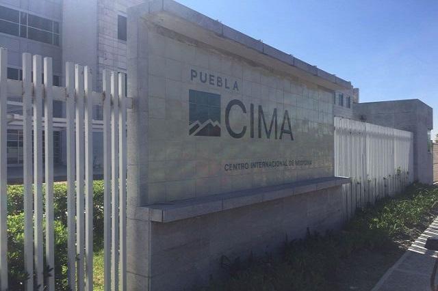 Gringos desplazan a poblanos en venta de hospital Cima al IMSS