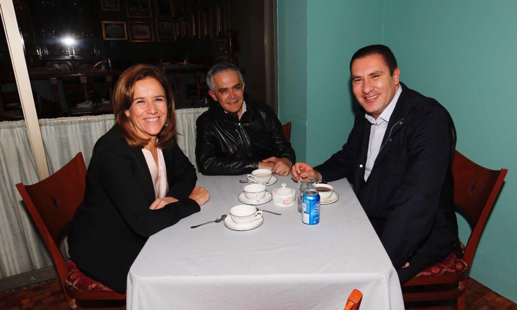 Mancera, Margarita y Moreno Valle negocian acuerdo político