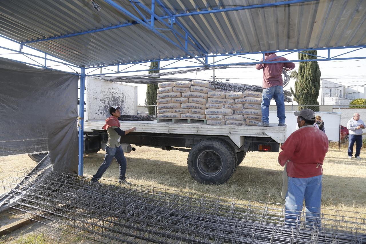 Entrega paisano material para construcci n en la reserva - Material de construccion segunda mano ...