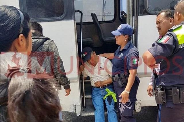(VIDEO) Asaltan microbús y dejan herido en Cuapiaxtla de Madero
