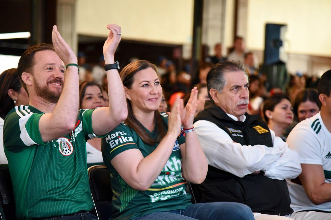 Martha Erika reúne a sus seguidores  para ver el partido México-Alemania