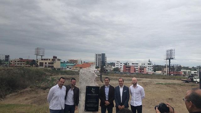 Colocan la primera piedra de Torres Médicas Veracruz