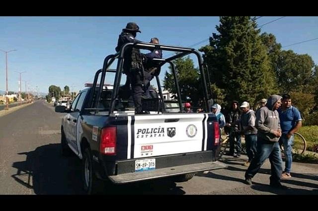 Cierran carretera en Juan C. Bonilla en protesta por desagües industriales