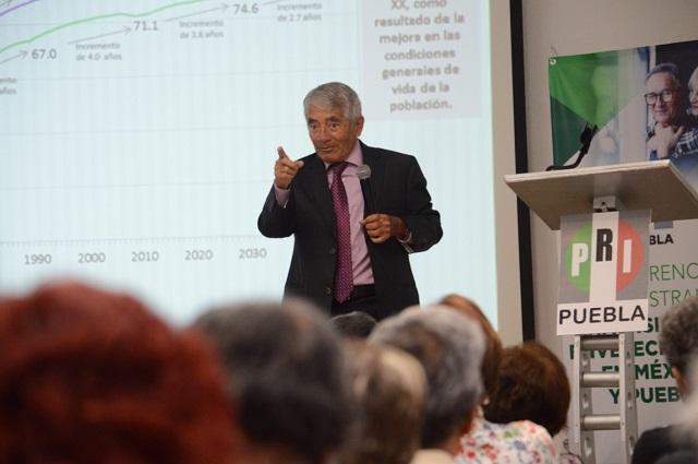 Imparte PRI conferencia sobre el voto de la tercera edad