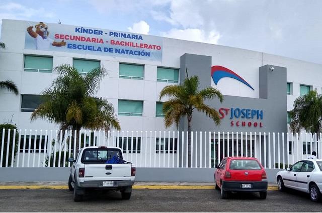 Clausuran drenaje Saint Joseph School por falta de pago