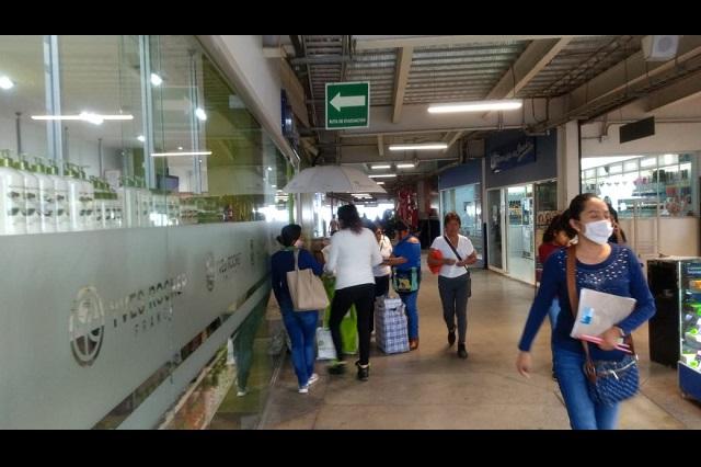 Limitan compras en Puebla ante pánico por coronavirus