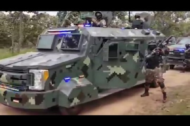 Supuestos miembros del CJNG muestran en video poder de fuego