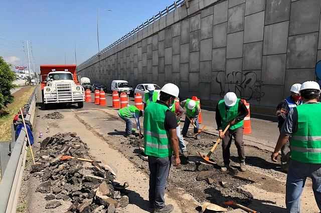 Por mantenimiento reducen carriles en la México-Puebla