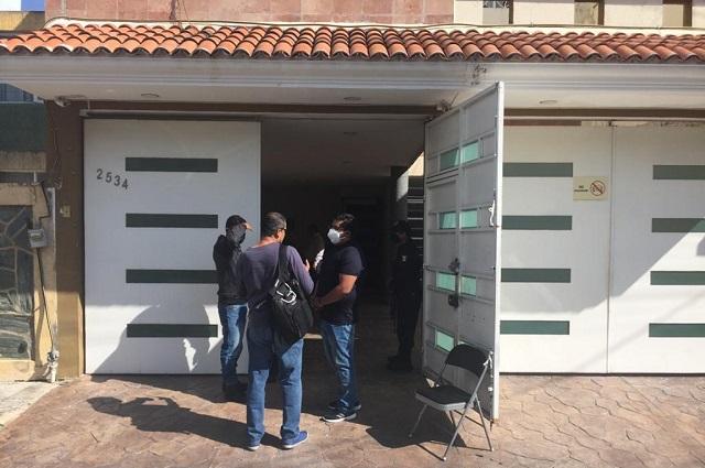 Golpean a empleados y roban coche en oficinas de Cotoñeto