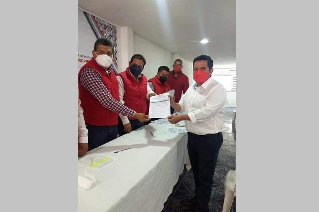 Investigan por desvío de recursos a Mario Herrera Oropeza en Atempan