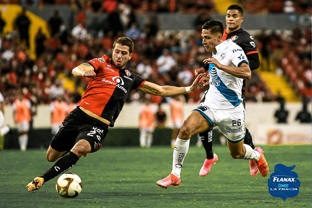 Atlas supera 1-0 a Puebla en el primer duelo de cuartos de final