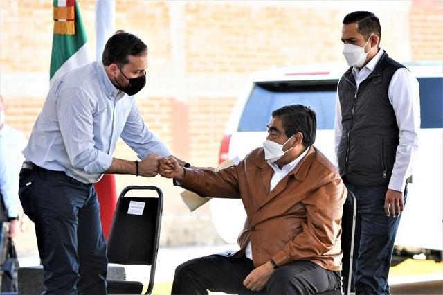 Ofrece Barbosa desarrollo a CEMEX y Puebla