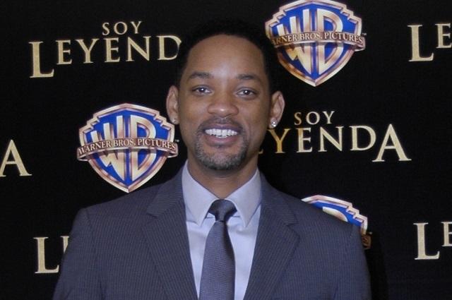 Will Smith defiende a Neymar y roba cámara durante conferencia en Rusia