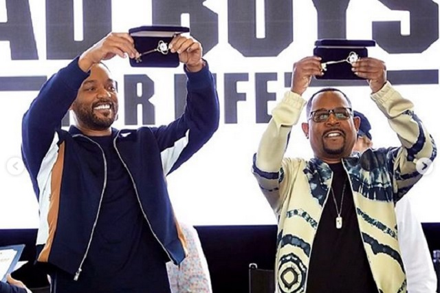 Will Smith y Martin Lawrence cantan Bad Boys con Mariachi