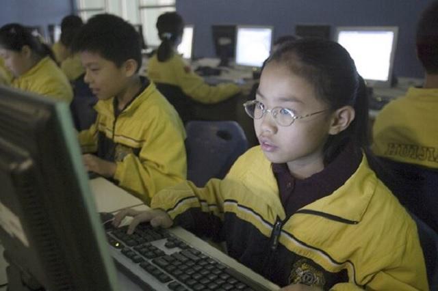 Wuhan listo para reiniciar clases presenciales y SIN cubrebocas