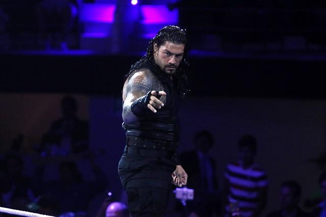 Roman Reigns y Seth Rollins cautivan en un Acropolis que no se llenó