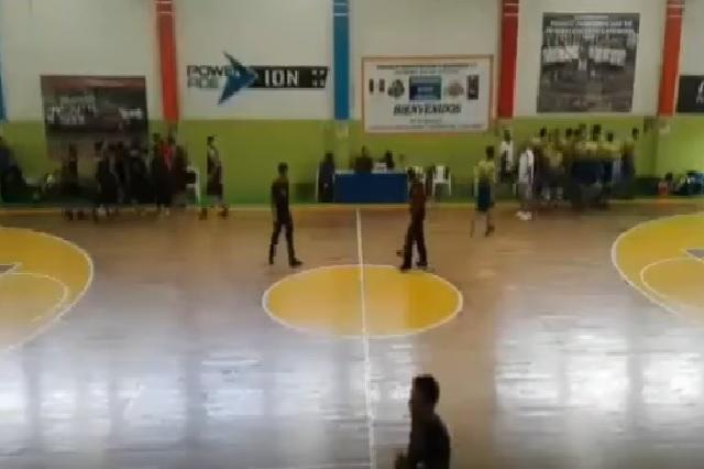 Se desata balacera durante partido de basquetbol #VIDEO