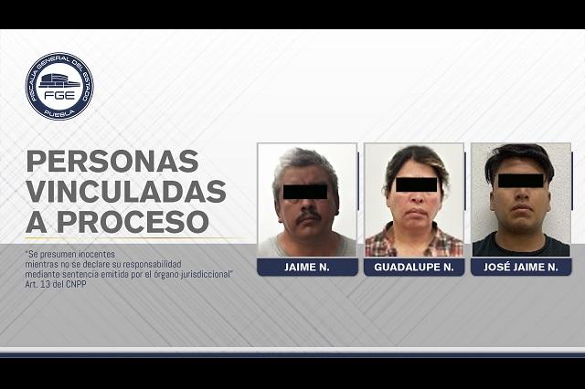 Su hermano la extorsionó y le colocó explosivos en Xalmimilulco