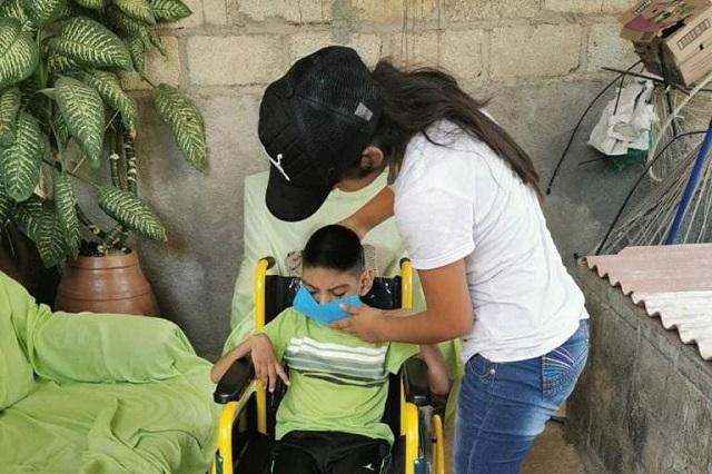 Entregan equipo ortopédico a sectores vulnerables de Xayacatlán