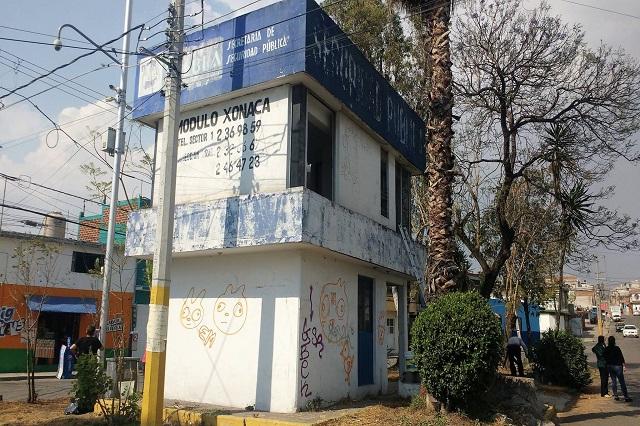 Con coperachas reviven vecinos caseta de seguridad en Xonaca
