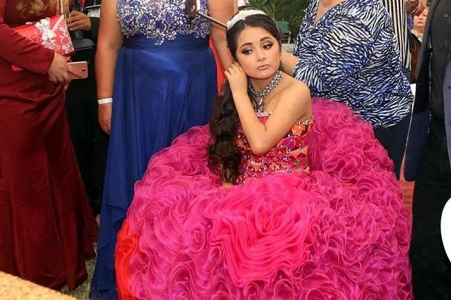 Rubí quiere ser cantante y muestra talento con tema de Selena