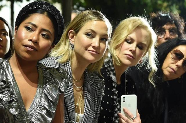 Yalitza Aparicio en primera fila con Kate Hudson y Nicole Kidman