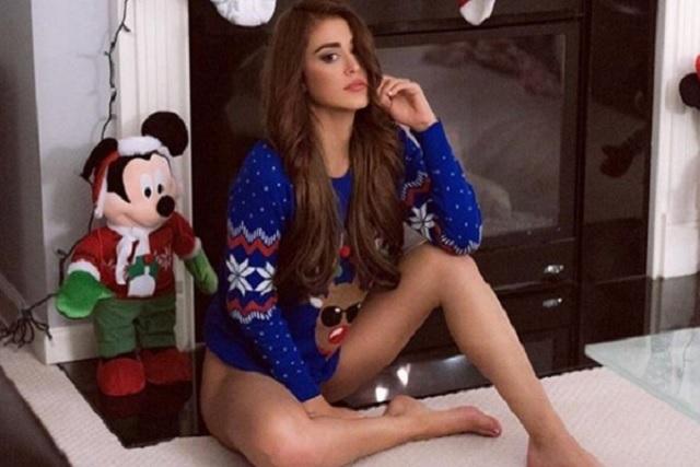 La chica del clima da exuberante regalo de Navidad a sus seguidores