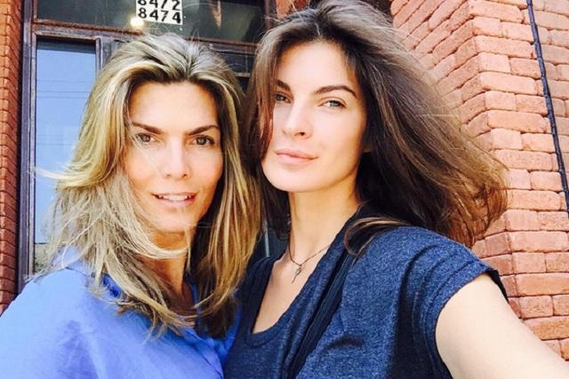 Montserrat Oliver y Yaya Kosikova se besan y comparten foto en Instagram