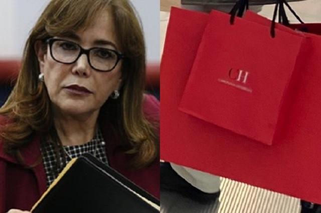 Captan a Yeidckol Polevnsky de compras en Carolina Herrera