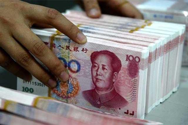 Devaluación del yuan podría acelerar la caída del peso