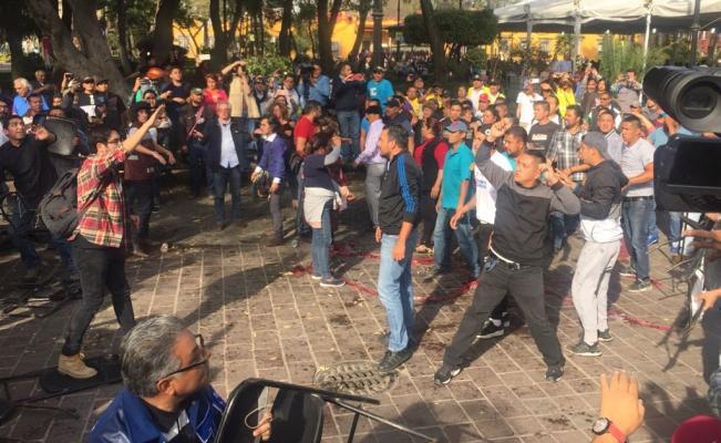 Reportan trifulca previo a mitin de AMLO y Sheinbaum en Coyoacán